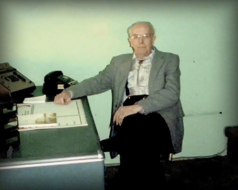 Delbert Larson in his office at Ashland Ford-The last day