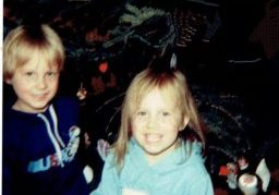 Christmas 1984-kids and ornaments_2 (2)